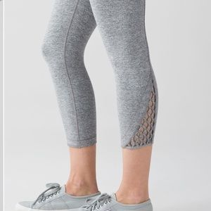 Lululemon HSL True Self Crop II, sz 6